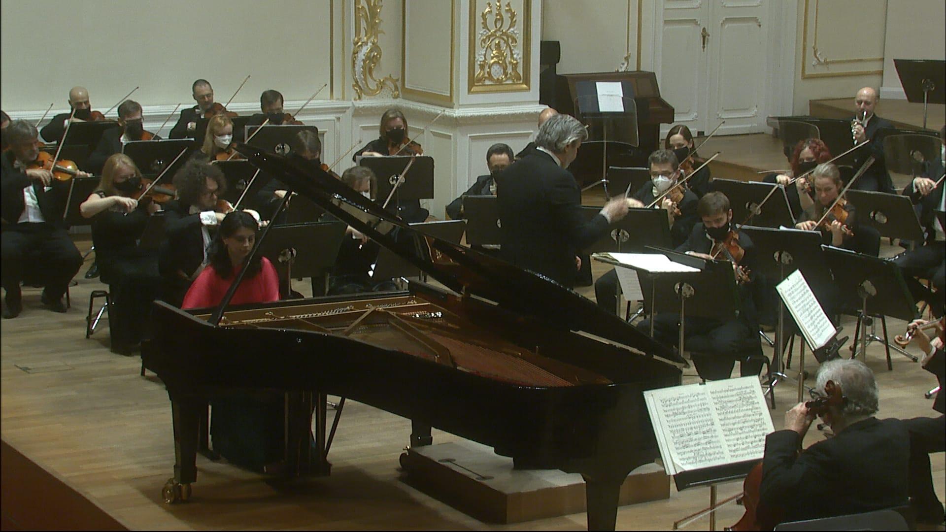 Bella / Liszt / Brahms